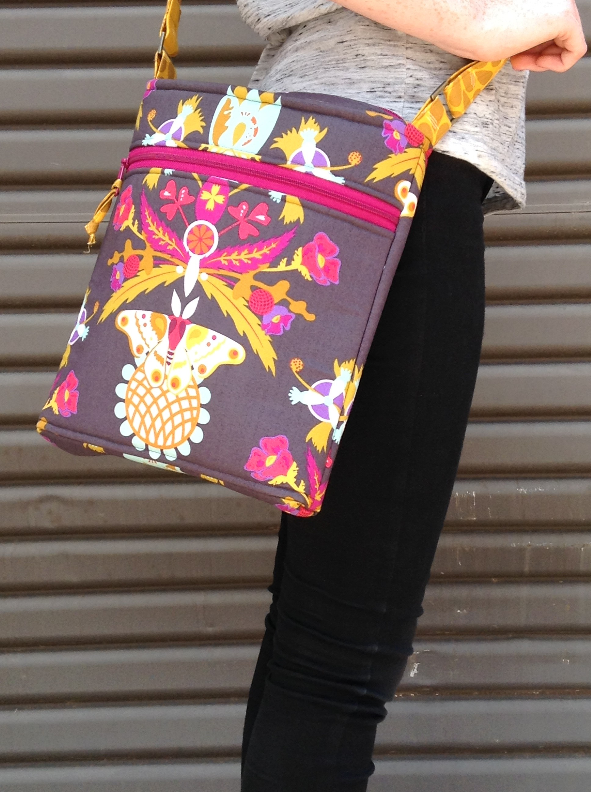 Daytripper-crossbody-bag